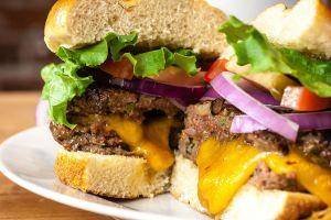 Köftesi Sulu Kalacak: Hamburger