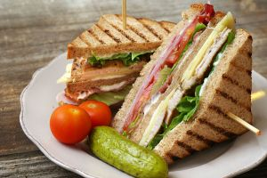İçinde Yok Yok: Club Sandwich (Kulüp Sandviç)