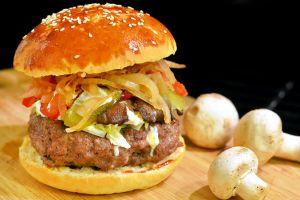 Bugün Günlerden: Ev Yapımı Hamburger Ekmeği