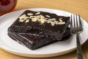Aşk Acısına İyi Gelir: Kakaolu Islak Kek