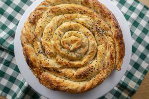 Hep Peynirli Olacak Değil Ya: Pırasalı Börek