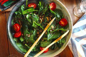 Magnezyum Deposu: Ispanak Salatası