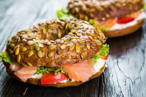 Modern Balık Ekmek: Füme Somon Sandviç