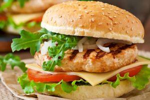 Parmak Yediriyoruz: Ev Yapımı Tavuk Burger