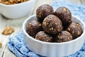 Şekeri Hurmasından: Kakaolu Yulaf Kepeği Topları