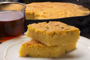 Mutlulukla İlgisi Olmalı: Taze Soğanlı Mısır Ekmeği