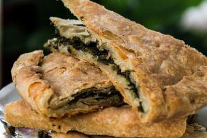 Dilim Dilim Kesersin: El Açması Ispanaklı Börek