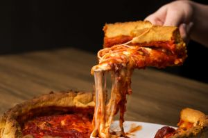 Usulü Chicago'dan: Türk İşi Deep Dish Pizza