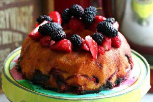Tam Yazlık: Taze Meyveli Kek