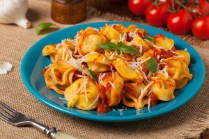 İtalya Mutfağımıza Geldi: Domates Soslu Tortellini