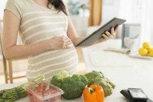 hamileligin-erken-belirtileri-3-one-cikan