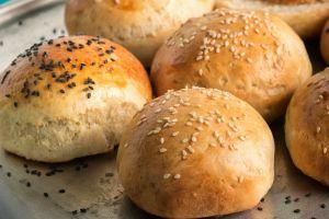 Yumuşacık Dokusuyla: Kolay Hamburger Ekmeği