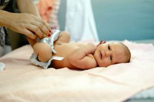 bebeklerde-cocuklarda-ishale-ne-iyi-gelir