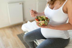 bebegin-zeki-olmasi-icin-hamilelikte-nasil-beslenmeli