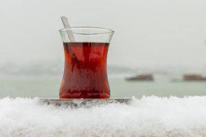 kar-suyuyla-cay-demleme-yontemi-2-one-cikan