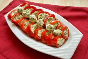 Çok Pratik: Peynirli Kırmızı Biber Mezesi