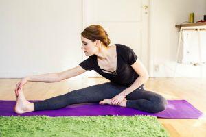 Vücudunuzun Her Yerini Rahatlatacak Kolayca Yapılan Esneme Hareketleri