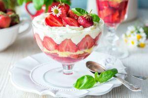 Sütlü Tatlıların En Hafifi: Manolya Tatlısı