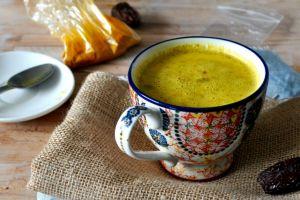 Bir Bardağında Onlarca Fayda Gizli Olan Mucize İçecek: Altın Süt