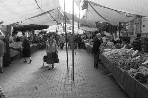 pazarda-su-satmak-yemekcom-kapak