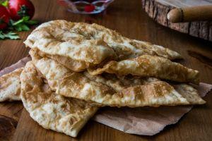 Böylesi Daha Hafif: Fırında Çiğ Börek (Çibörek)