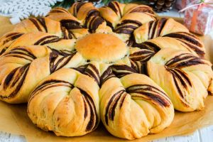 Üstelik Yumuşacık: Çikolatalı Çiçek Çörek