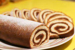 Pandispanyasında Yağ Yok: Elmalı Rulo Pasta