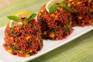 Davetlerin Gözdesi: Pancarlı Bulgur Salatası