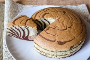 Yumuşaklıkta Son Nokta: Sodalı Zebra Kek