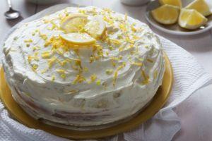 Yumuşacık Pandispanyasıyla: Limonlu Pasta