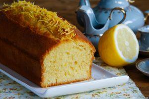 Kıvamı Çok Farklı, Ölçüleri de Tam: Limonlu Pound Kek