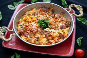 Kahvaltı Şenlendi: Sucuklu Menemen