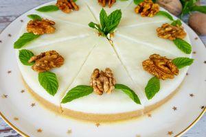 Cheesecake Görünümünde: İrmikli Sütlü Tatlı