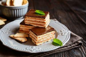 Yalnızca 10 Dakika: Bisküvili Pasta