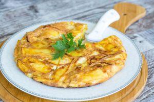 15 Dakikada: Börek Tadında Patatesli Omlet