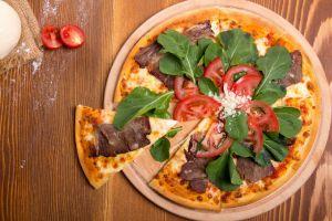 Gurme Lezzet: Füme Kaburgalı Pizza