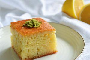 İster İrmikli İster İrmiksiz: Limonlu Yoğurt Tatlısı