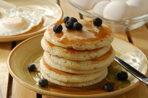 En Yumuşacık Kıvam Onda: Kolay Pankek (Pancake)