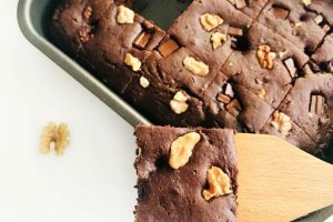 Muhteşem Kıvamıyla: Hindistan Cevizli Brownie Kek