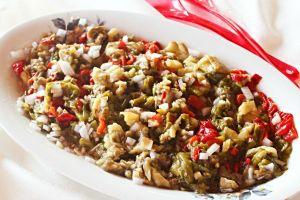 Nefis Kokusuyla: Közlenmiş Sebze Salatası