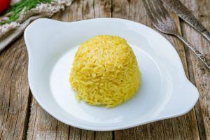 Sade Pilavın Sarışın Hali: Zerdeçallı Pilav
