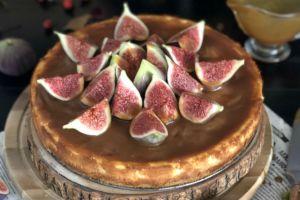 Pek Havalı: İncirli Karamel Soslu Cheesecake