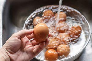 Tartışmalı Konu: Neden Yumurtaları Asla Yıkamamalısınız?