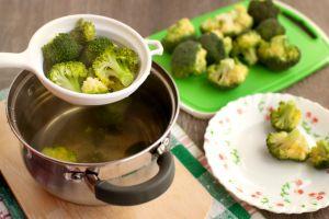Kemik Erimesi ve Kistlerden Koruyan, Zayıflamaya Yardımcı Bir Lezzet: Brokoli Kürü