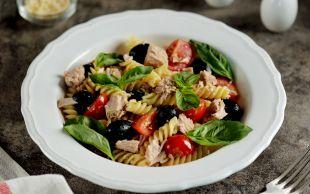 En Sevilen Haliyle: Ton Balıklı Makarna Salatası