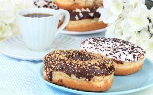 Plaket Aldırır: Ev Yapımı Çikolatalı Donut