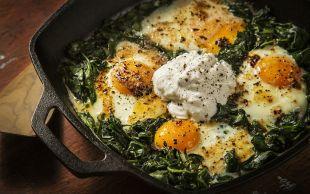 Kahvaltılık da Olur: Ispanaklı Yumurta