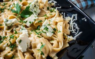 Kremalı ve Peynirli: Erişte