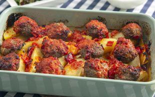 O Bir Kurtarıcı: Fırında Köfte Patates