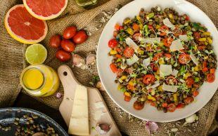 Bazıları Kabuklu Sever: Kabuklu Ilık Mercimek Salatası